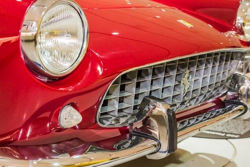 Las cinco marcas de coches italianas que cambiaron el mundo del motor