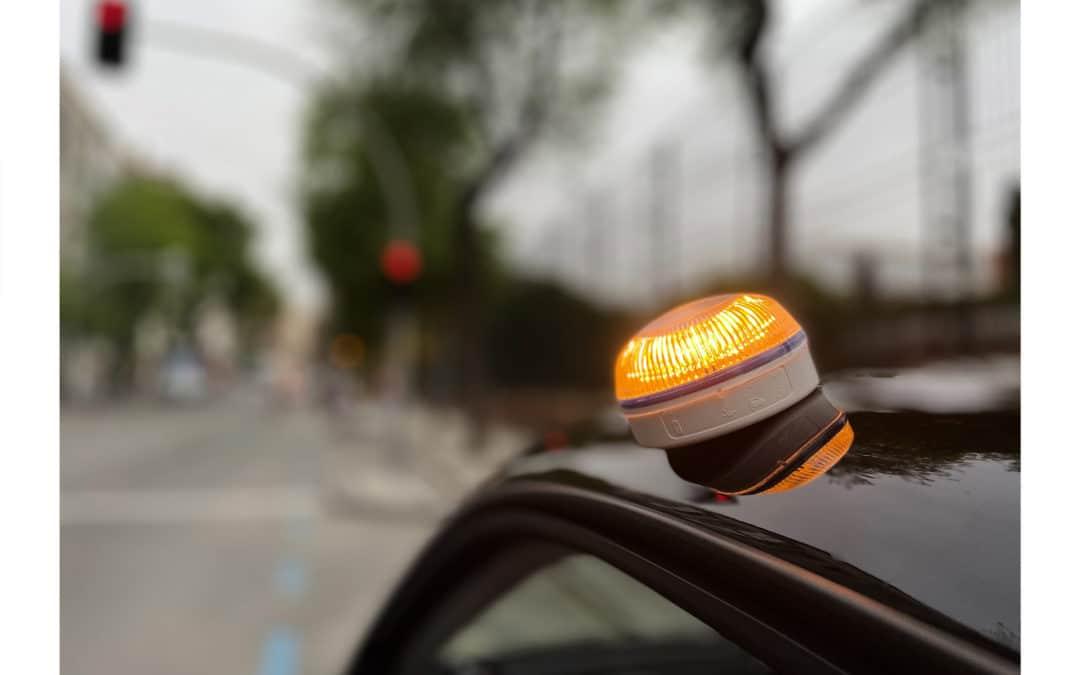 Luz de emergencia V-16: qué es, cuándo será obligatoria y cómo funciona