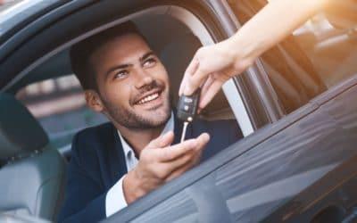Contrato de compraventa de vehículos: qué es y qué debe incluir